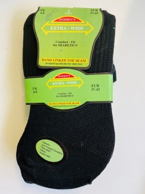 3 Pairs of Extra Wide (Comfort Fit) socks for Diabetics (size 4 – 8)